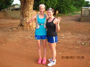 2 female runners in Africa